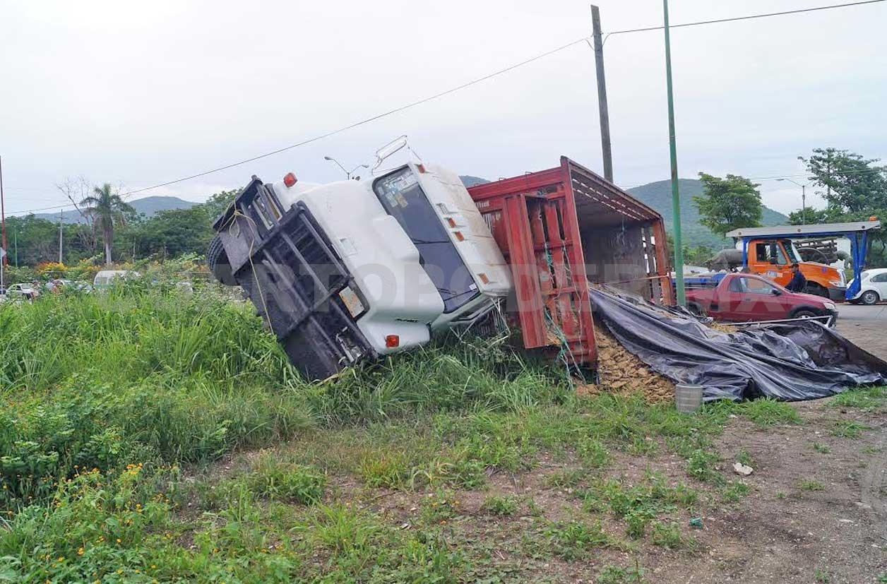 El Camion Entraba A La Ciudad Cuando Se Quedo Sin Frenos