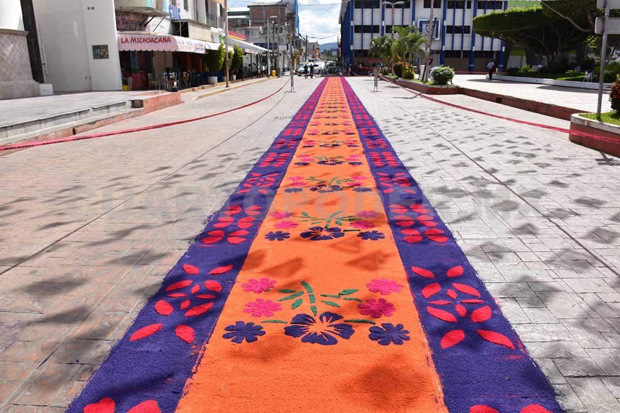 Elaboran alfombra de aserr n Alfombras persas en mexico