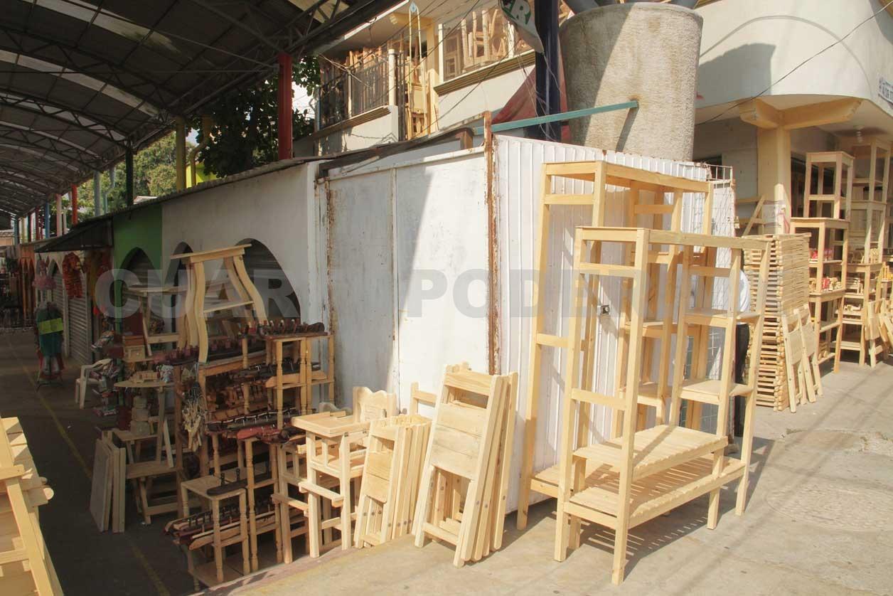 Denuncian irregularidades en andador san roque for Muebles san roque coristanco