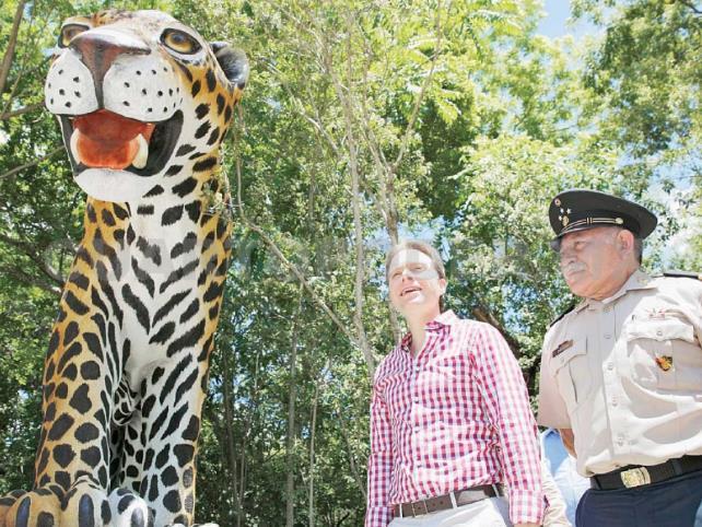 Manuel Velasco y Guillermo Haro conmemoran el 75 aniversario del ZooMAT