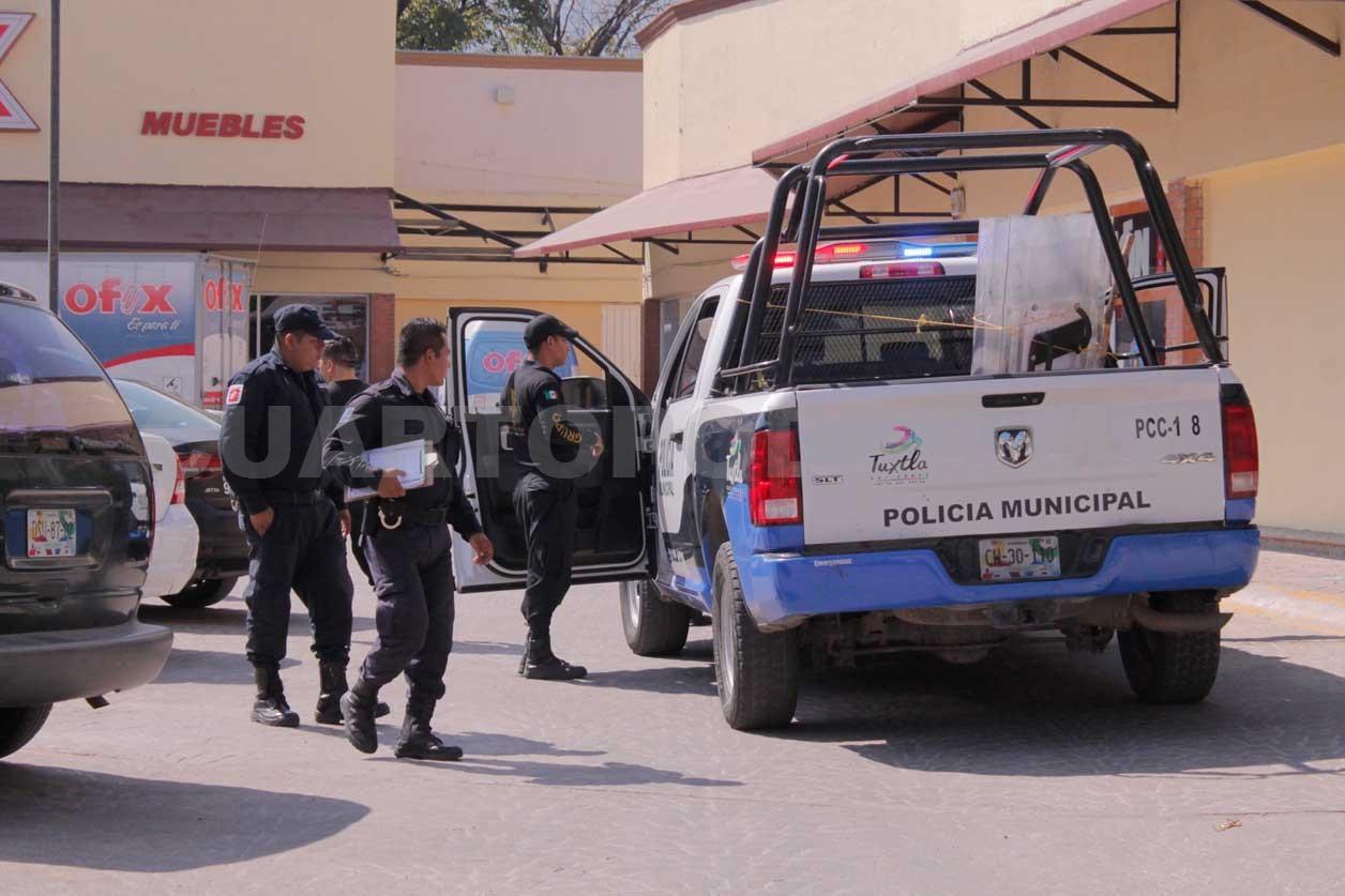 Sujetos Armados Asaltan Tienda Y Se Llevan Cerca De 70 Mil Pesos # Muebles Tuxtla Gutierrez Chiapas