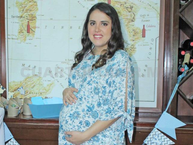 Sara espera con amor a su primer bebé