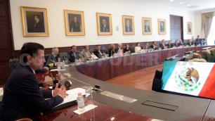 EPN revisa con gabinete proceso de transición