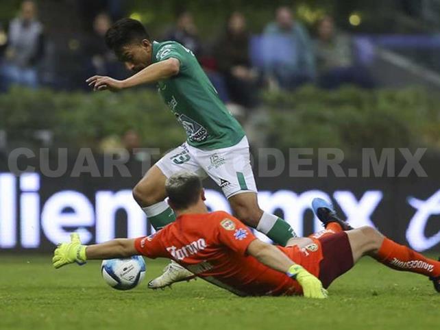 León goleó al América en el Azteca