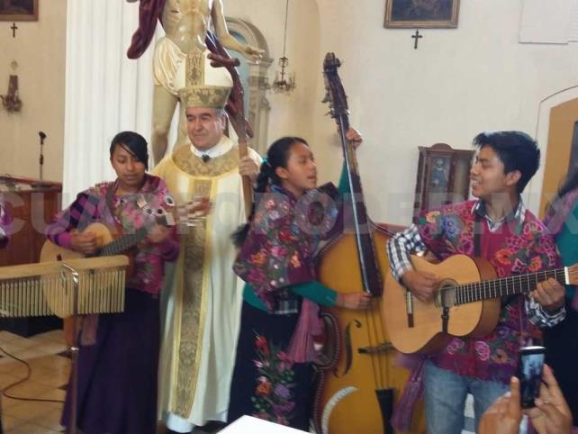 Obispo Arizmendi cumple 76 años