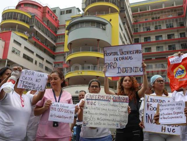 Médicos se suman a huelga en sector salud