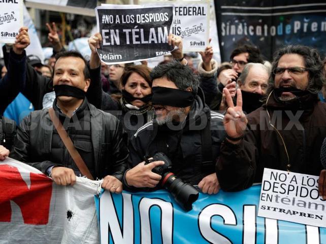Realizan marcha nacional contra despidos