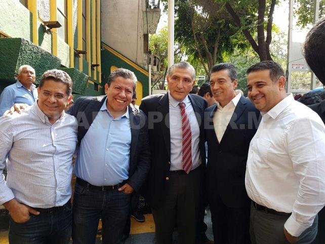 Junto al presidente electo, Escandón reafirma austeridad