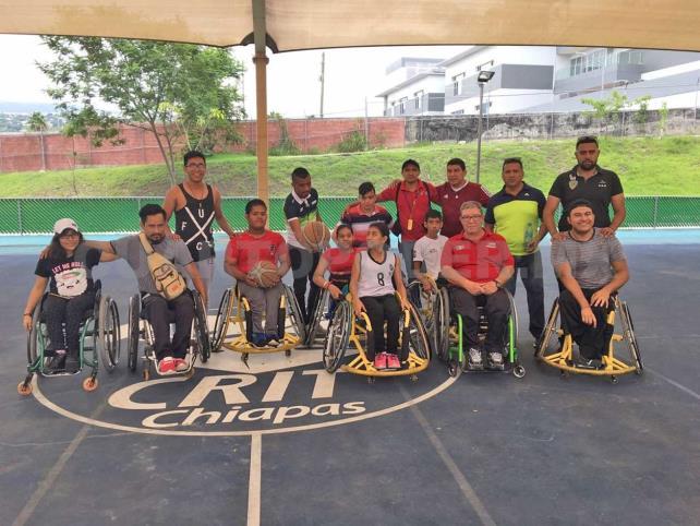 Certifican a deportistas sobre silla de ruedas