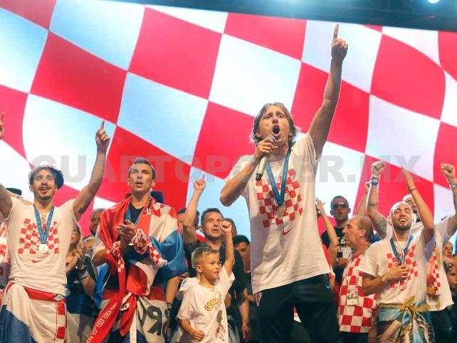 Selección croata recibe multitudinario homenaje