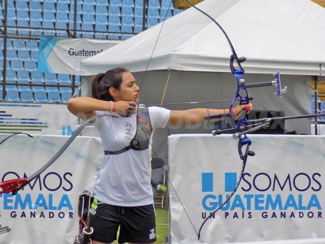 Vázquez sorprende a medallista olímpica