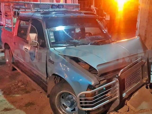 Ebrio provoca accidente en el barrio Los Magueyes
