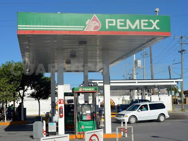 Hasta 27 mp al año gasta un mexicano en gasolina