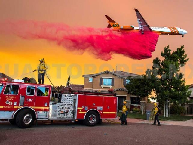 Incontenible incendio Holy; hay miles de evacuados