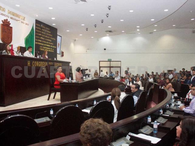 Nomina Jucopo a Patrocinio González para recibir medalla
