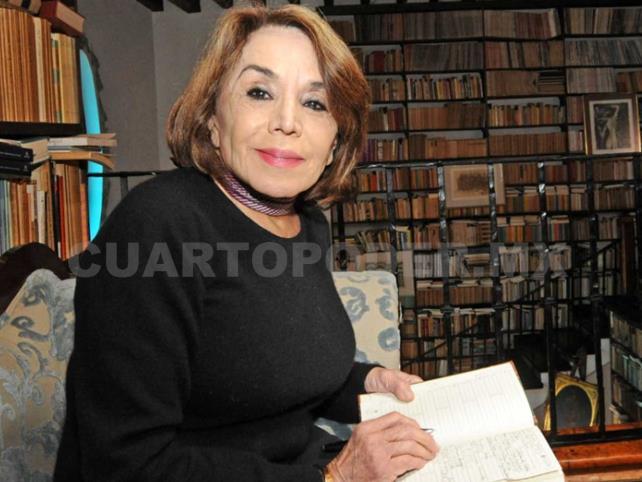 Beatriz Espejo gana Premio Inés Arredondo