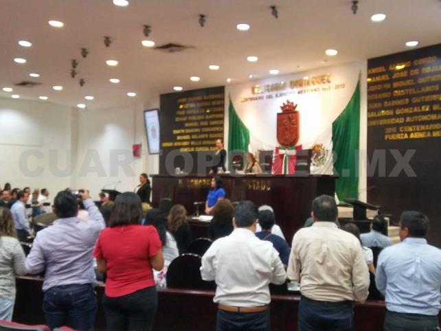 Congreso, a la espera de licencia de Velasco