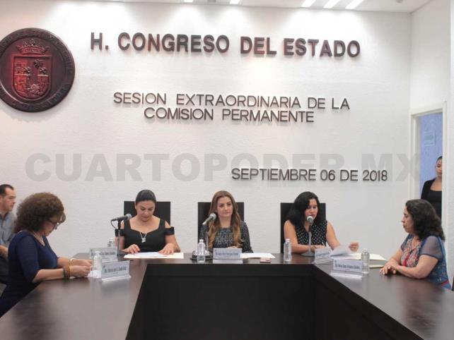 Willy Ochoa deja el Congreso del estado