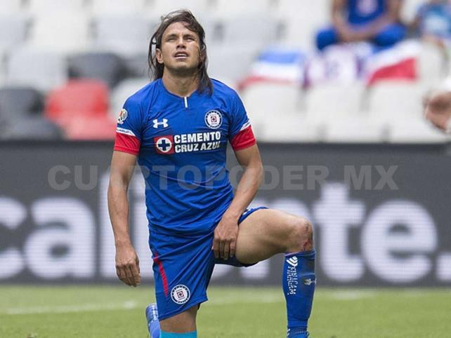 Gerardo Flores será baja por molestia en rodilla