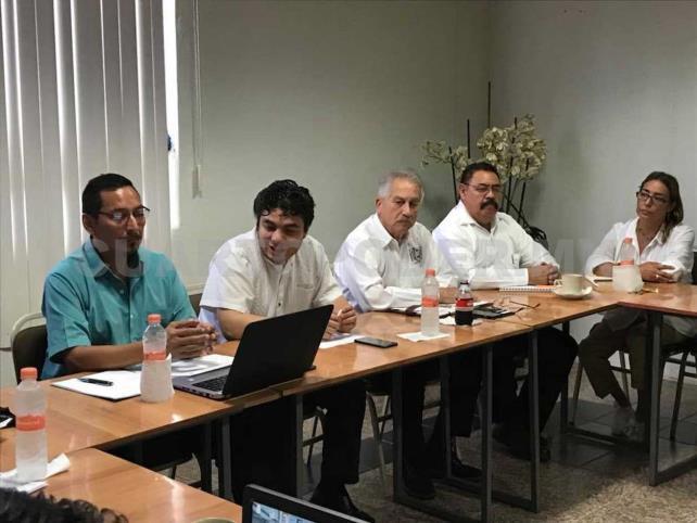 Sostienen reunión autoridades de las ZEE y educativas