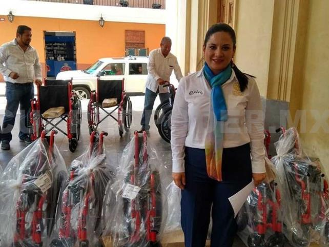 Club Rotario entregó sillas de ruedas