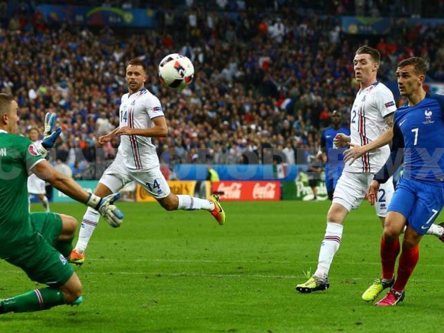Francia se enfrenta a la selección de Islandia