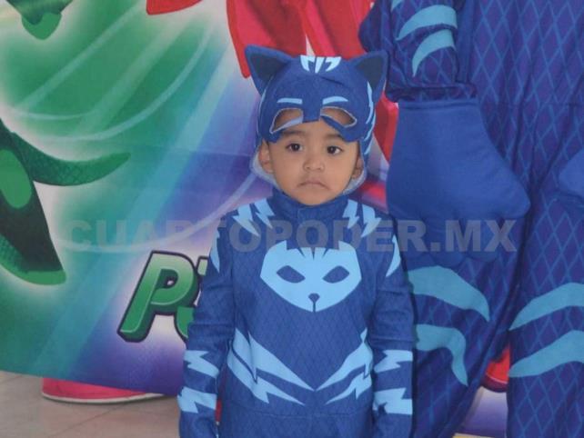 a02b53190d Fiesta el estilo Héroes en Pijama