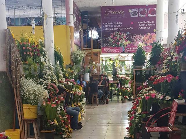 Locatarios Reportan Descenso En Venta De Flores