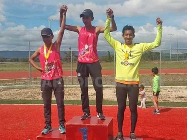 Atletas de Villaflores destacan en competencia