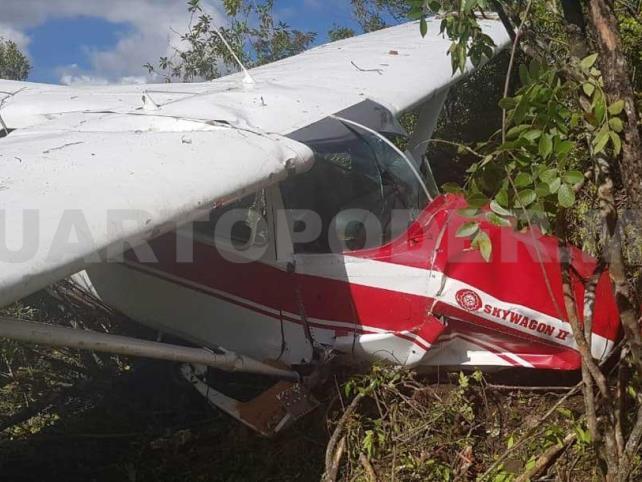 Quedan tres heridos en desplome de avioneta