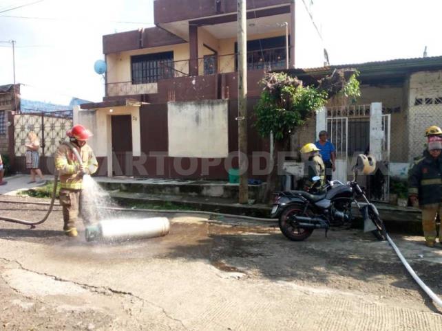 Incendio provocó daños en vivienda