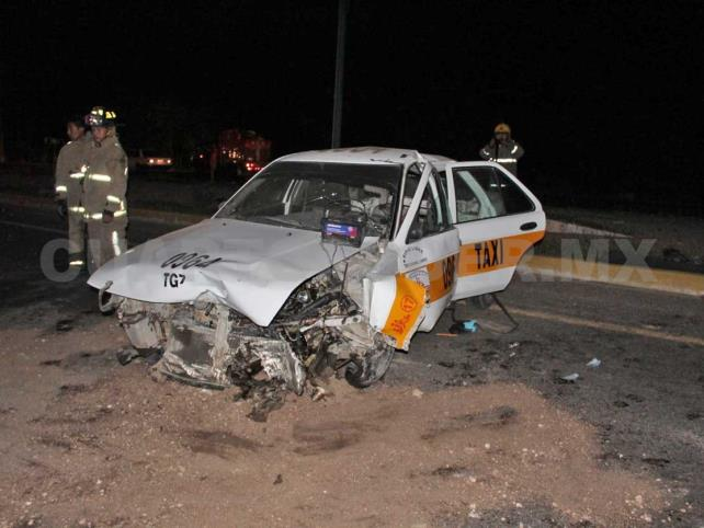 Dama taxista grave tras accidente automovilístico