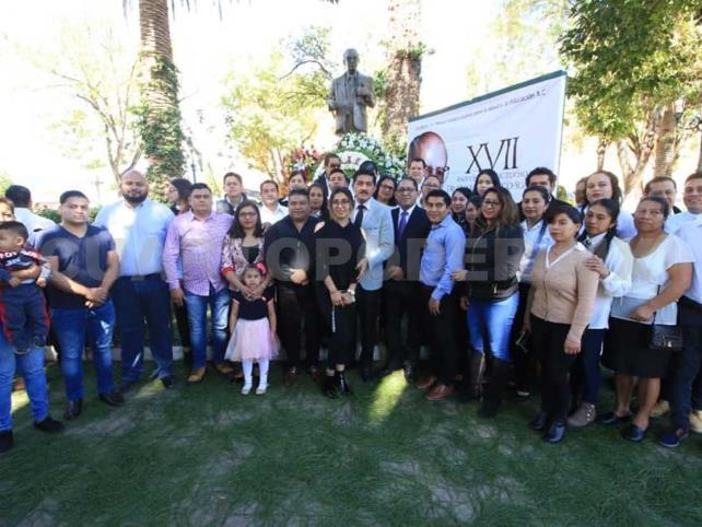 Realizan XVII homenaje a Manuel Velasco Suárez