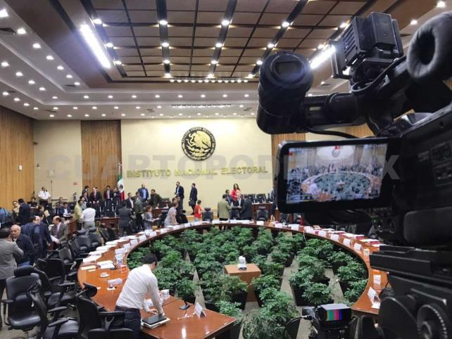 Autoridad electoral ordena retirar spot