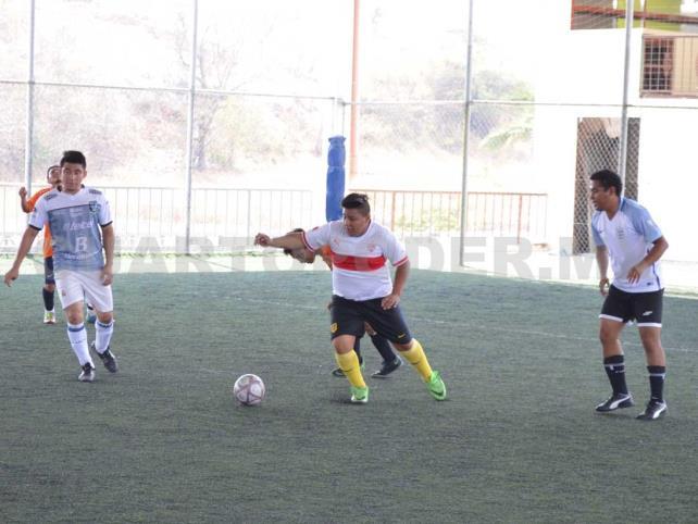 Tigres golea a Chivas en la Liga Entera-T MX