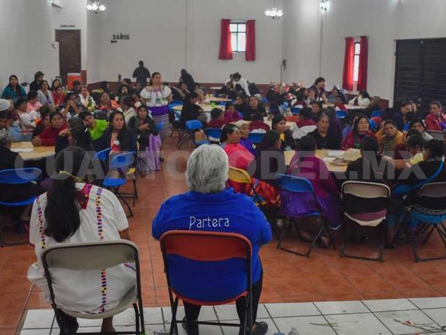 Parteras de Chiapas exigen respeto