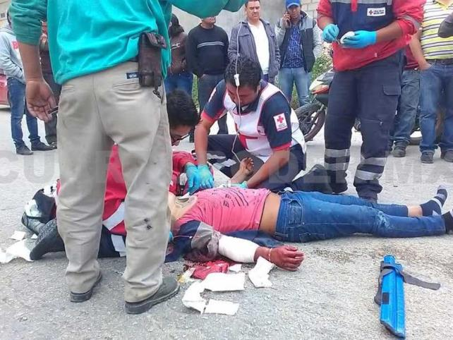 Pareja de motociclistas heridas en carambola