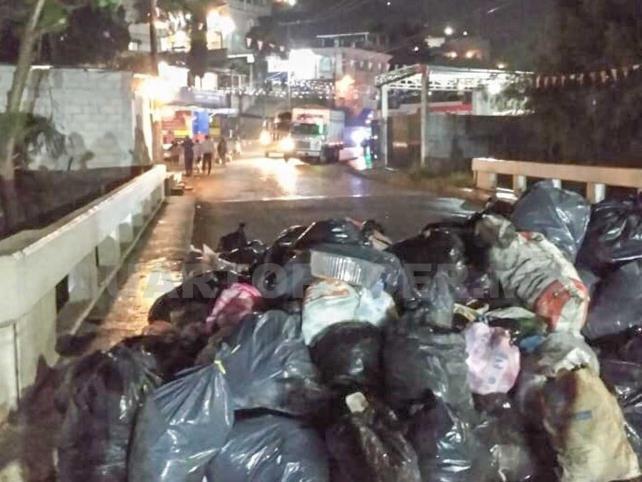 Exigen renuncia de edil por no atender problema de basura