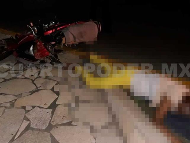 Pareja se accidenta al viajar en motocicleta