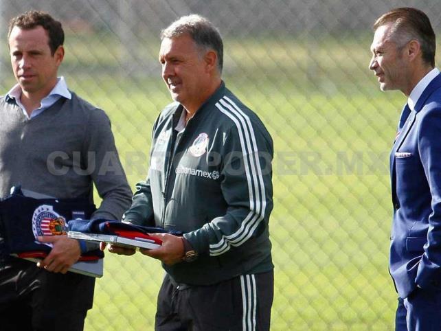 Ferretti considera positiva visita de Martino; rechaza hacerle sugerencias