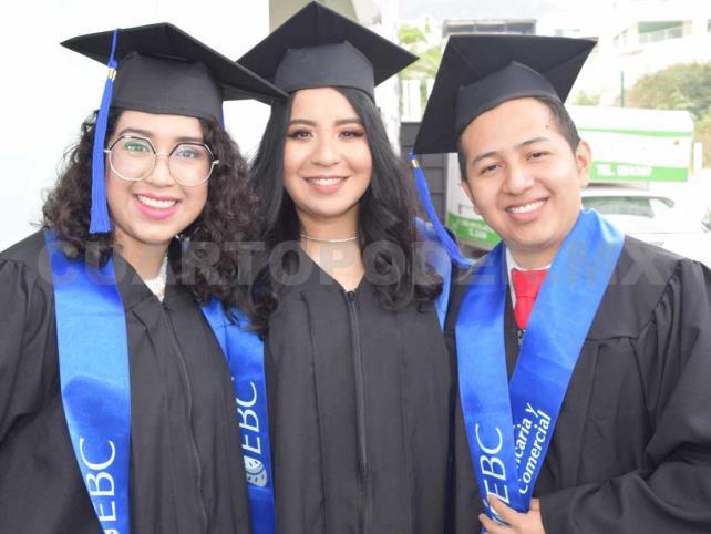 Se graduaron de la universidad
