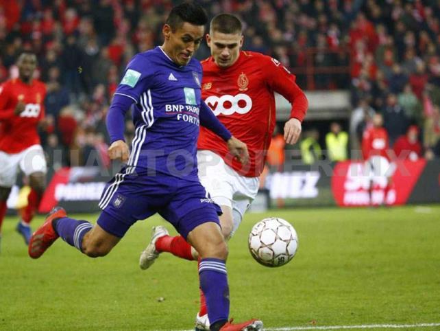 Standard Lieja y Ochoa ganan ante Anderlecht