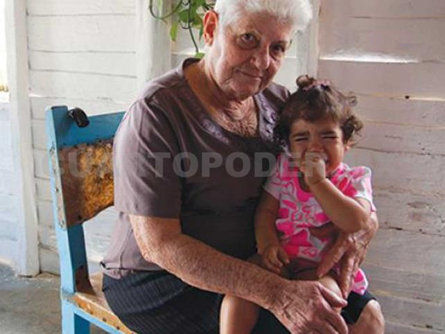 Abuelos sólo recibirán 200 pesos a la semana