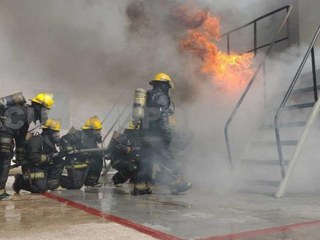 Capacitan a personal contra incendios