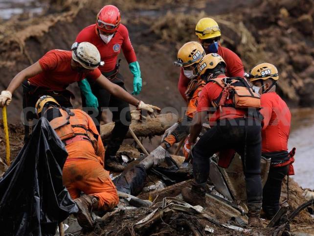 Van 157 muertos por colapso de minera