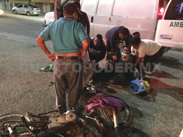 Con doble fractura quedó motociclista al ser arrollado