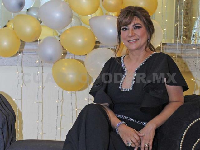 Felices 50, Raquel