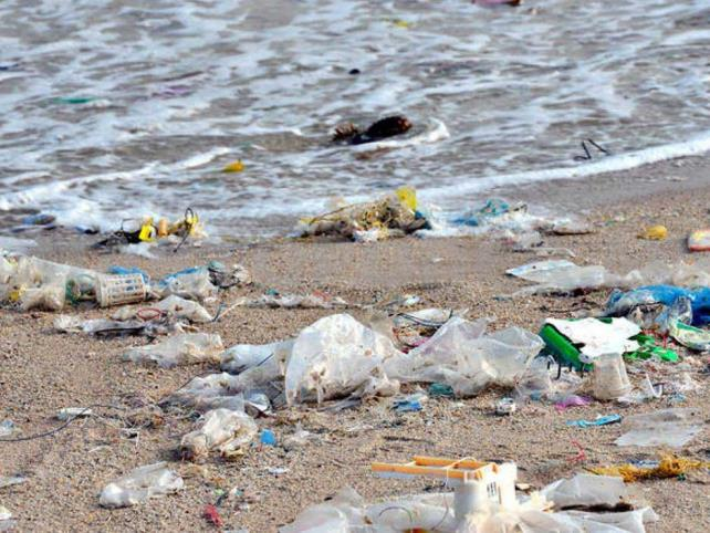 Impulsan ley para evitar uso de plásticos