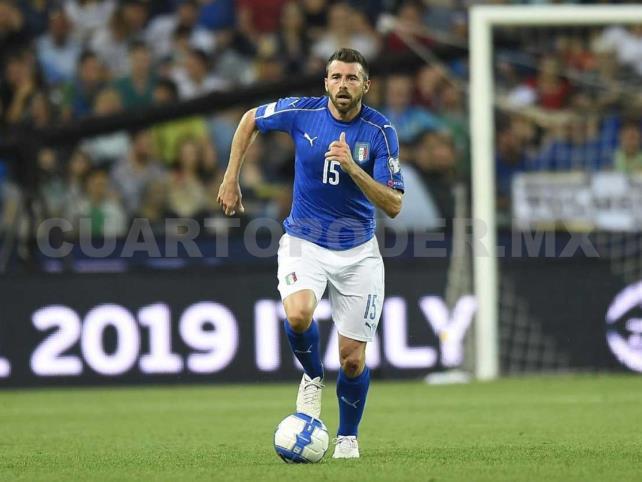 Italia va por segundo triunfo en camino