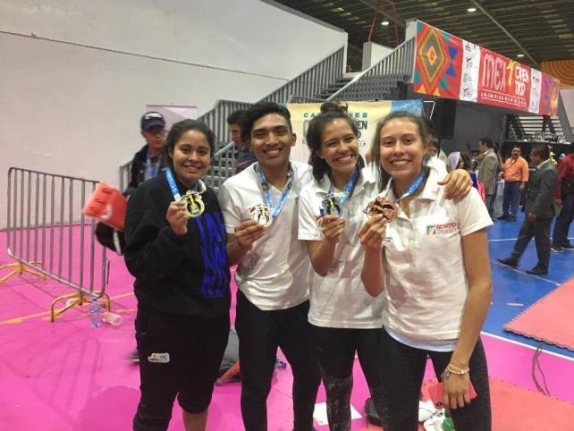 Tony Abarca reconoce a los medallistas chiapanecos